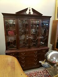 Stickley Furniture Tradtional Style Mahogany China Cabinet