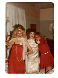 Vintage Photo Halloween Sexy Young Women Gangsters Moll Girls 1980and039s Mar19