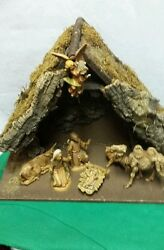 Vintage Fontanini Nativity Set Depose Italy With 8 Total Pieces Wood Creche