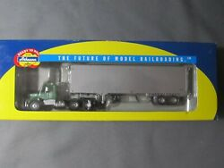 Athearn 91923 Merchants Motor Lines. Kenworth With Trailer. 1/87th Scale.
