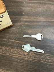 1960and039s 1970and039s 1980and039s Dodge Chrysler Plymouth Key Blanks Set Pair Nos Mopar 720