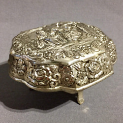 Vintage Retro Faux Silver Plated Pin Red Inlay Jewellery Box Gift Collectibles