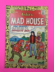Archie's Mad House 55. Sabrina The Teen Age Witch. Alien Spaceship Cover. Hot