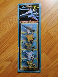 Vintage Diecast Fighter-bombers Airplanes Toy Set Of 5 Toy Planes 1991 Rare Jets