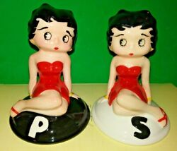 🧂 Betty Boop Ceramic Salt And Pepper Shakers 4 1/2 Tall 🧂