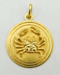 18k Yellow Gold Round Detailed Crab Pendant 28mm 10g S1544