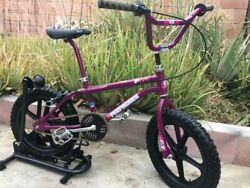 """Old Vintage Bmx Cool 16"""" Gt Pit With Skyway Wheels"""
