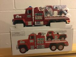 2015 Hess Fire Truck And Ladder Rescue Vehicle Nib
