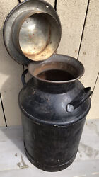 Antique 10 Gallon Steel Milk Can With Cover Lyndonville Vt Cry Co Devines