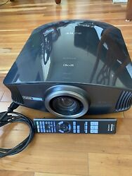 Sony Bravia Sxrd Vpl-vw60 1080p Home Theatre Projector - W/remote Made In Japan.