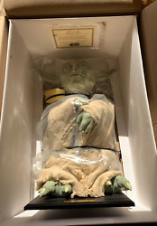 Star Wars Life-size Yoda By Illusive Concepts In Original Box Never Displayed