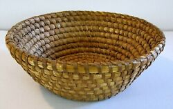 Antique Primitive Country 19th C. Pennsylvania Round Coiled Rye Straw Basket