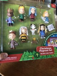 Peanuts Charlie Brown Christmas Nativity Pageant Play Set 0f 9 Mini Figures 2009