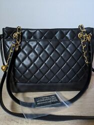Authentic Vintage Quilted Chain Shoulder Bag