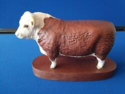 Beswick Hereford Bull On Plinth Connoisseur 1363c.