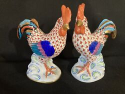 Herend Pair Of Cocky Rooster Rust Fishnet Opposing Figurines 5031 And 5032-mint