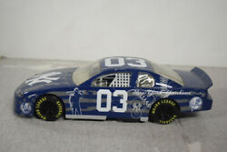 2003 DIECAST MODEL NEW YORK YANKEE CAR SR1707