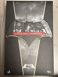 Hot Toys Mms342 Batman V Superman Dawn Of Justice With Tech Cowl And Sniper Rifle