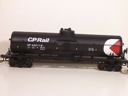 Athearn / Roundhouse Canadian Pacific Rail Single Dome Tank Car Ho Scale Nib