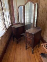 Vintage 1920s Vanity Dressing Table And Trifold Mirror/