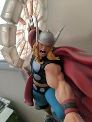 Bowen Designs 2011 Marvel The Mighty Thor Classic Action Version Painted Statue