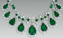 Dangling Green Pear Drop 925 Sterling Silver Highend Red Carpet Fine.necklace