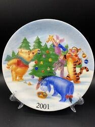 Disney Store Winnie The Pooh And Friends Collectable Plate Christmas 2001
