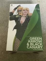 Dc Comics Designer Series Green Arrow And Black Canary Statue By Cliff Chiang