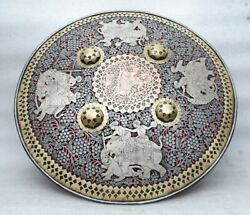 Very Fine Art Hand Engraved Mughal Persian Shield Dhal Sipar Hunting Mp3698