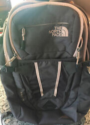 North Face recon backpack womens EUC $50.00