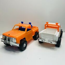 2 Processed Plastic Chevy 4x4 Offroad Pickup Trucks Toy Working Tailgate Vintage