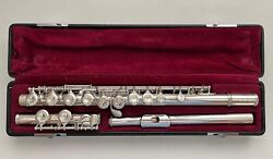 Yamaha 411 Solid Silver Closed-hole Flute - Offset G Split E And C-foot