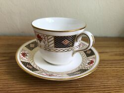 Set Of 4 Royal Crown Derby English Bone China Derby Border Tea Cup And Saucer