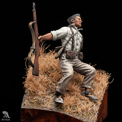 Falling Soldier Spanish Civil War Closed Eyes Tin Painted Toy Soldier   Museum
