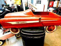 Garton Usa 5608 Fire Truck Pedal Car 1950and039s.good Solid Carrides Great