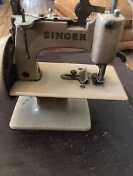 Vintage 1953 Singer Sewhandy Model 20 Childs Miniature Hand Crank Sewing Machine