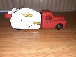 1950's Structo Toys City Of Toyland No. 7 Pressed Metal Garbage Truck 21inch Lg