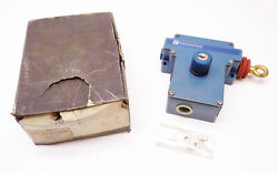 New Telemecanique Xy2 Ce1a490tk Emergency Stop Trip Wire Switch Xy2-ce