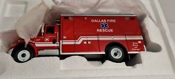 First Gear 1/34 Scale International 4400 With Ems/rescue Body