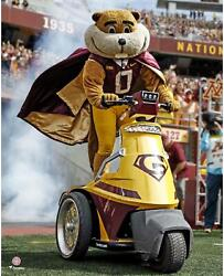 Minnesota Golden Gophers Unsigned Goldy Gopher Pre-game 16 X 20 Photo