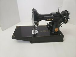 Vintage 1940 Singer Featherweight Sewing Machine, Case And Accessories Ag583473
