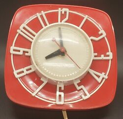Vintage General Electric Kitchen Wall Clock, Model 2h44, Red