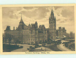 Divided-back Parliament Buildings Ottawa Ontario On Ae8939