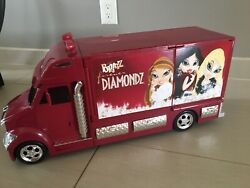 Bratz Forever Diamondz Rollin' Runway With Lights And Sounds- 2006 Rare Works