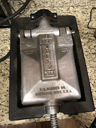Rare Vintage Rugged F.s. Carbon Co. Heavy Duty Cast Iron Waffle Maker