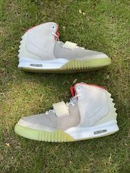 Nike Air Yeezy 2 Pure Platinum Size 13
