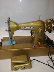 Vintage Royal Delux 35 Precision Sewing Machine Made In Japan