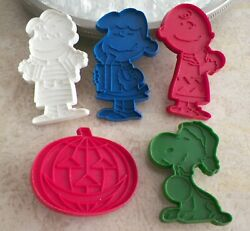 Vintage Peanuts Snoopy United Feature Syndicate Cookie Cutters Set 5