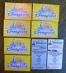 Lot Of 8 - Disneyland / California Adv Souvenirs - 6 Tickets And 2 Parking Passes