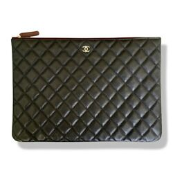 Black Grained Calfskin Classic Pouch Clutch-excellent Conditionandauthentic